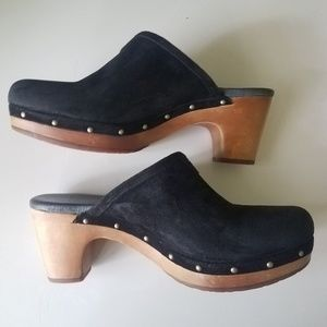 UGG Clogs Mules Slip ons Black Suede Leather 8